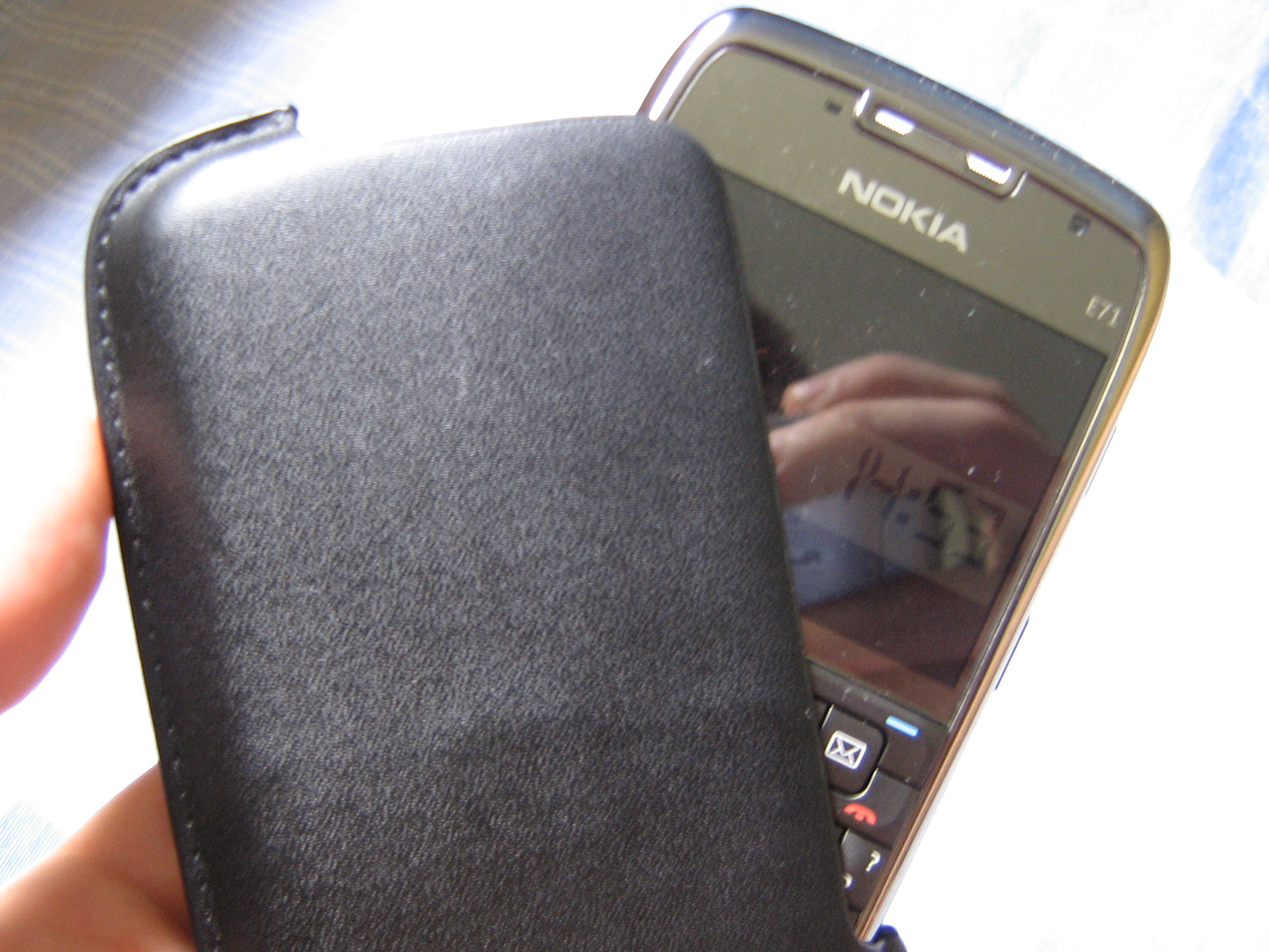 capa preta Nokia E71