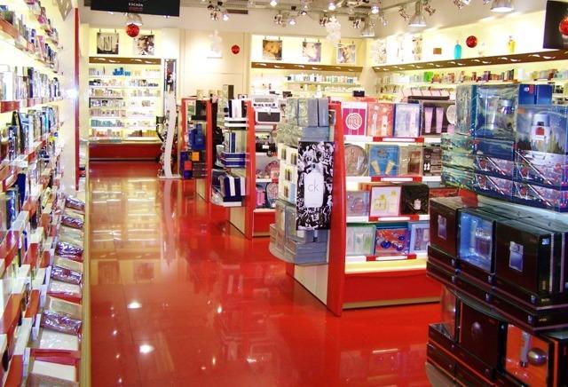 Na hora de decorar sua loja de perfumes invista em cores vivas para chamar a atenção  dos clientes