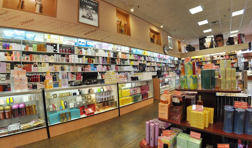 Balcões em lojas de perfumes ajudam a manter os clientes na loja por mais tempo
