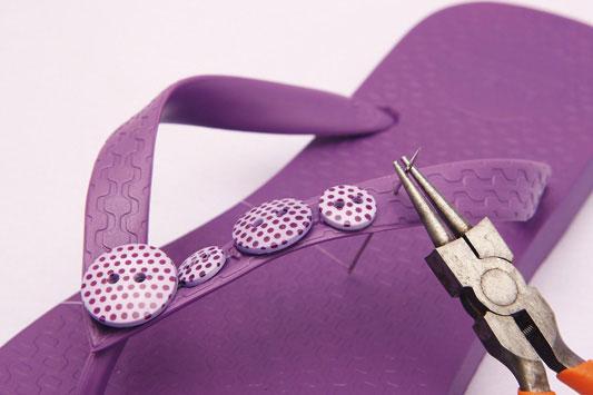 Como-fazer-chinelos-decorados-4