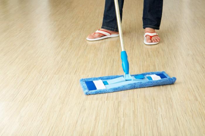 Como limpar piso laminado1