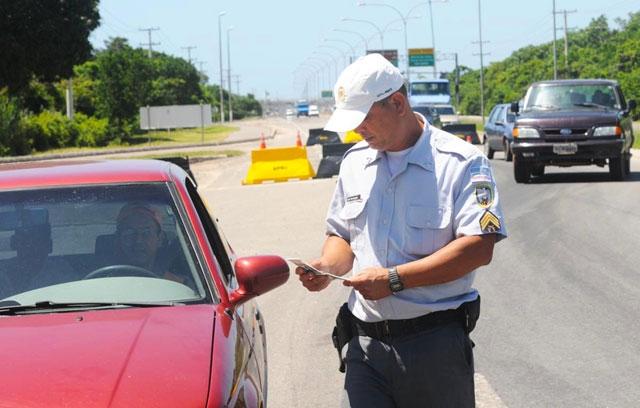 Como transferir multas de trânsito