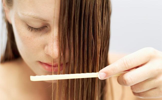 Como usar óleo nos cabelos1