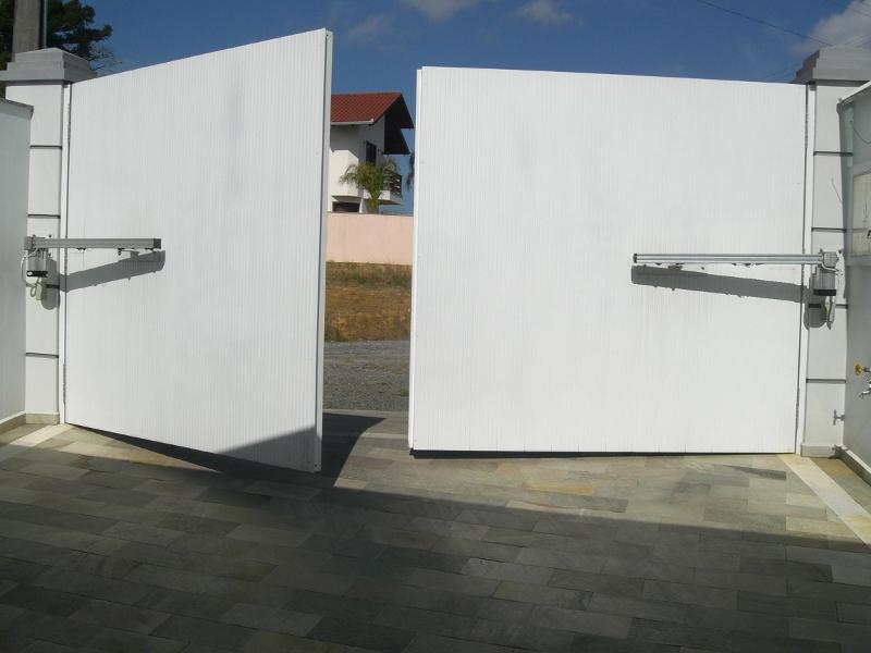 Portão Pivotante.