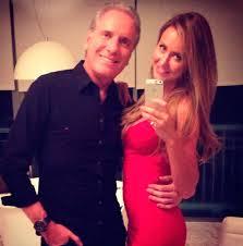Diretores não querem nova namorada de Roberto Justus circulando na Record