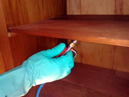Móveis de madeira como proteger