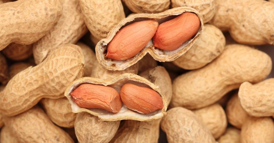 Modo de correto de consumir amendoim 01