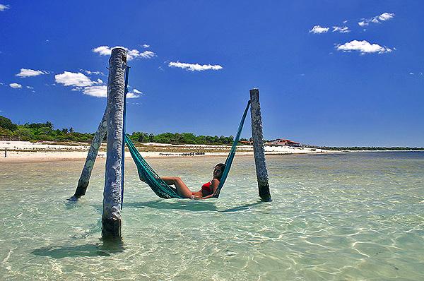 Veja como praias de águas límpidas são belas (foto: Divulgação)