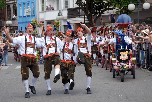 Milhares de brasileiros visitam a Oktoberfest todos anos (Foto: Divulgação)