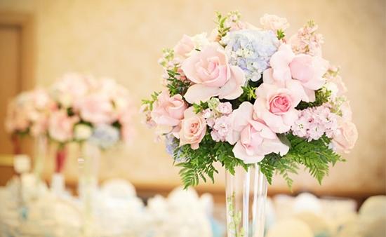 Existem diversas flores artificiais lindas (Foto: Divulgação)