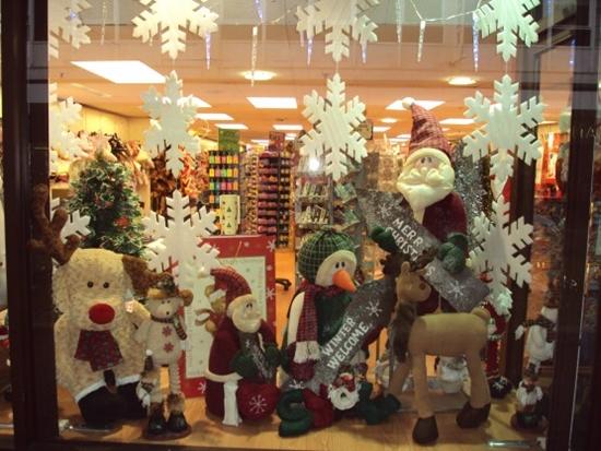 Não perca tempo e comece a decoração da vitrine da sua loja (Foto: Divulgação)