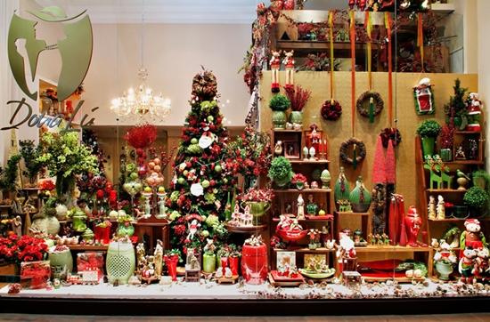 Uma linda decoração de natal na vitrine, pode ajudar nas vendas da loja (Foto: Divulgação)