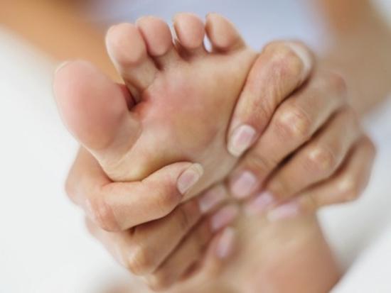 Existem diversos produtos para evitar bolhas nos pés (Foto: Divulgação)
