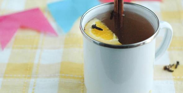 O quentão e o vinho quente são bebidas típicas das Festas Juninas (Foto: Divulgação)