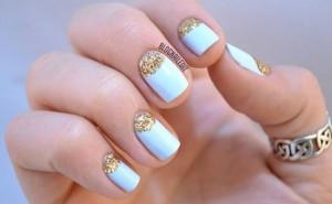 As unhas decoradas com glitter podem ser feitas da maneira que você deseja. (foto ilustração)